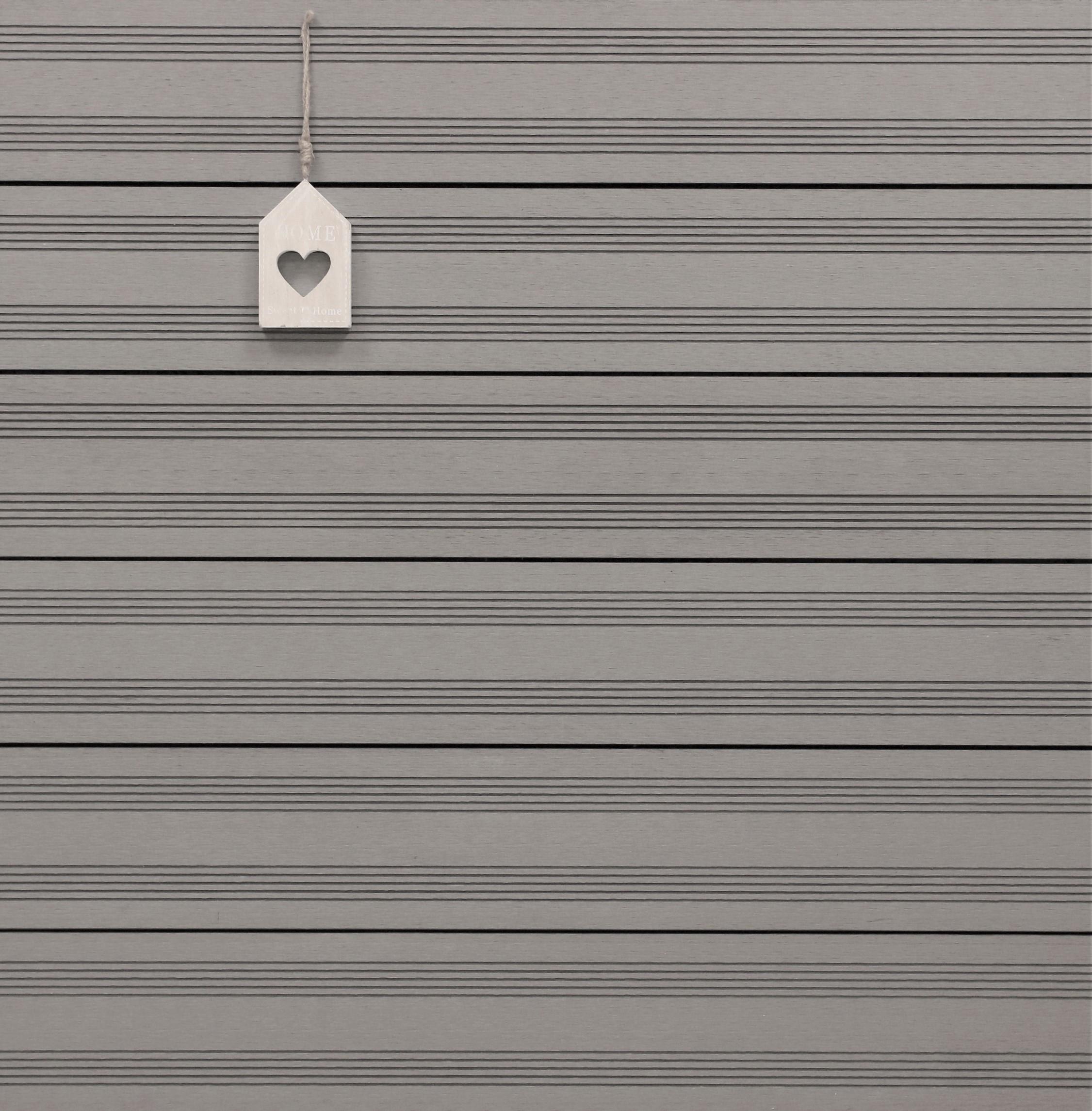 WPC Dielen massiv, Oberfläche mit französischem Profil, Farbton hellgrau, Vollprofil, 22 x 143 bis 4800 mm für 7,95 €/lfm