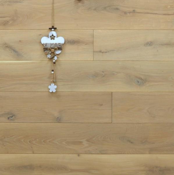 Dielenboden Eiche, Systemlängen, mit Rubio Monocoat in Rohholzoptik geölt, massiv, Kanten gefast, Nut / Feder Verbindung, Sonderanfertigung nach Kundenwunsch