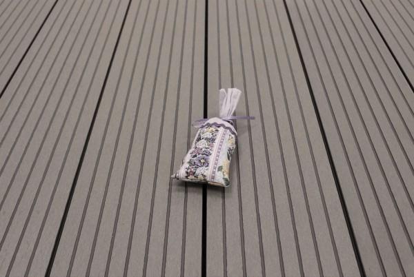 WPC Terrasse Hohlkammer, 22 x 146 bis 4800 mm, Oberfläche grob genutet, Farbton hellgrau, 5,30 €/lfm