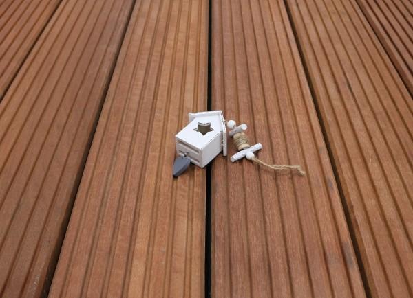 Holzterrasse Massaranduba, 25 x 145 bis 6100 mm, grob genutet, 9,95 €/lfm, Premium (KD)