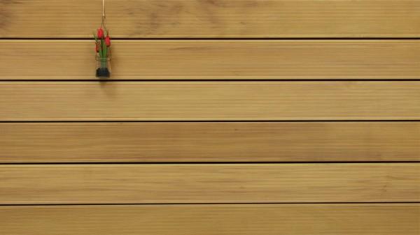 Holzterrasse Garapa, 45 x 145 bis 6100 mm, fein gerillt, 16,90 €/lfm, Premium (KD)
