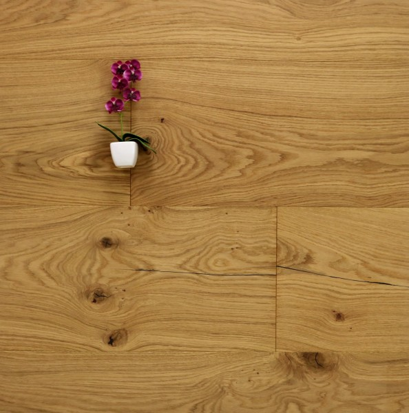Parkettboden Eiche Nizza aus der Serie Chateau, 20 x 320 bis 5000 mm, Markant, mit einem Naturöl geölt, Nut / Feder Verbindung