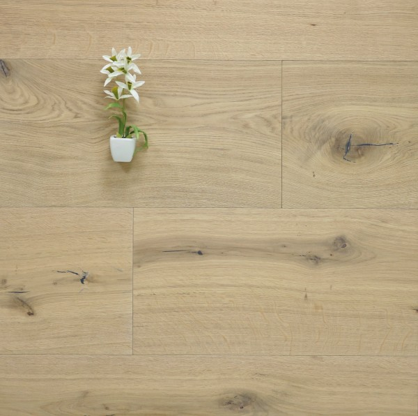 Parkettboden Eiche Monaco aus der Serie Chateau, 20 x 320 bis 5000 mm, Markant, gebürstet, mit einem Naturöl weiß geölt, Nut / Feder Verbindung