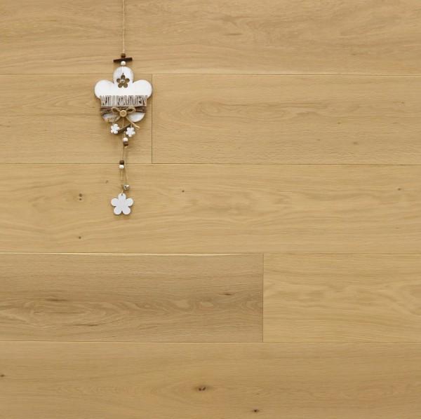 Parkettboden Eiche Bella aus der Serie Italia, 14 x 190 x 1900 mm, Natur, mit WOCA Naturöl leicht weiß geölt, Drop Down Klick Verbindung, Sonderanfertigung nach Kundenwunsch