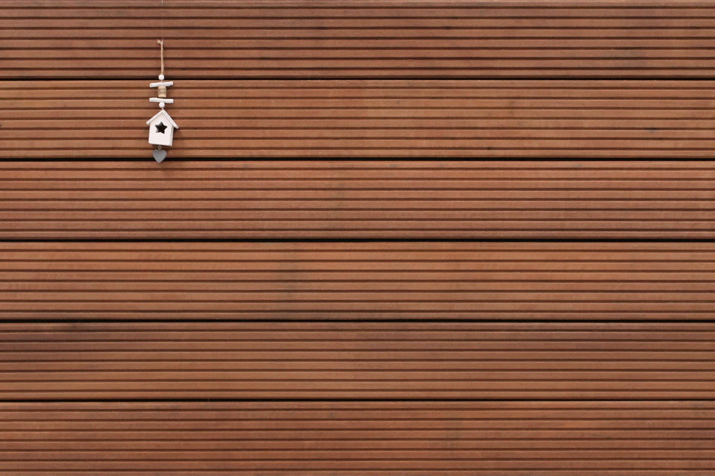 Massaranduba Holz Dielen für die Terrasse, 9,95 €/lfm, Premium (KD) grob genutet, 25 x 145 bis 5490 mm, Terrassendielen Bretter