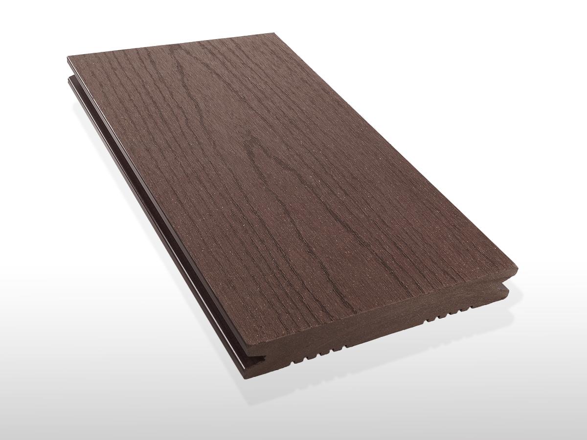 Restposten WPC Dielen massiv, Oberfläche mit Struktur in Holzoptik, Farbton dunkelbraun, Vollprofil, 22 x 143 bis 4800 mm für 7,80 €/lfm