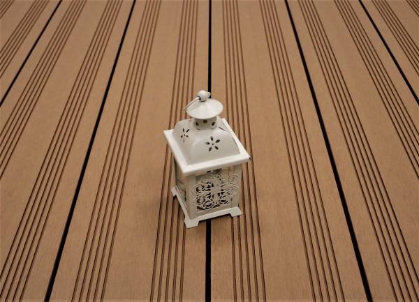 WPC Terrasse massiv, Vollprofil, 22 x 143 bis 4800 mm, Oberfläche mit französischem Profil, Farbton hellbraun, 9,50 €/lfm