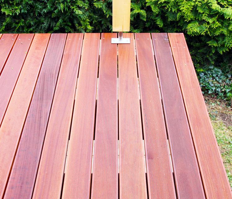 Massaranduba Holz Dielen für die Terrasse, 9,95 €/lfm, Premium (KD) fein gerillt, 25 x 145 bis 5490 mm, Terrassendielen Bretter
