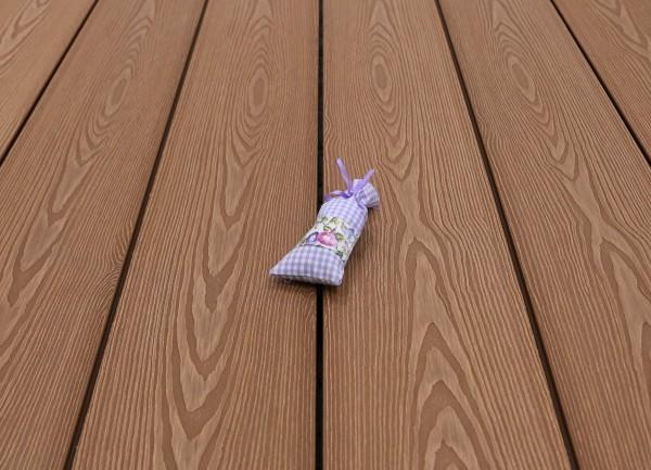 WPC Terrasse massiv, Vollprofil, 22 x 143 bis 4800 mm, Oberfläche mit 3D Struktur in Holzoptik, Farbton hellbraun, 9,50 €/lfm