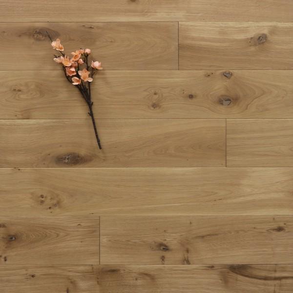 Dielenboden Eiche, 15 x 150 mm, Systemlängen von 400 bis 1800 mm, mit einem Naturöl leicht weiß geölt, massiv, Kanten gefast, Nut / Feder Verbindung, Sonderanfertigung nach Kundenwunsch