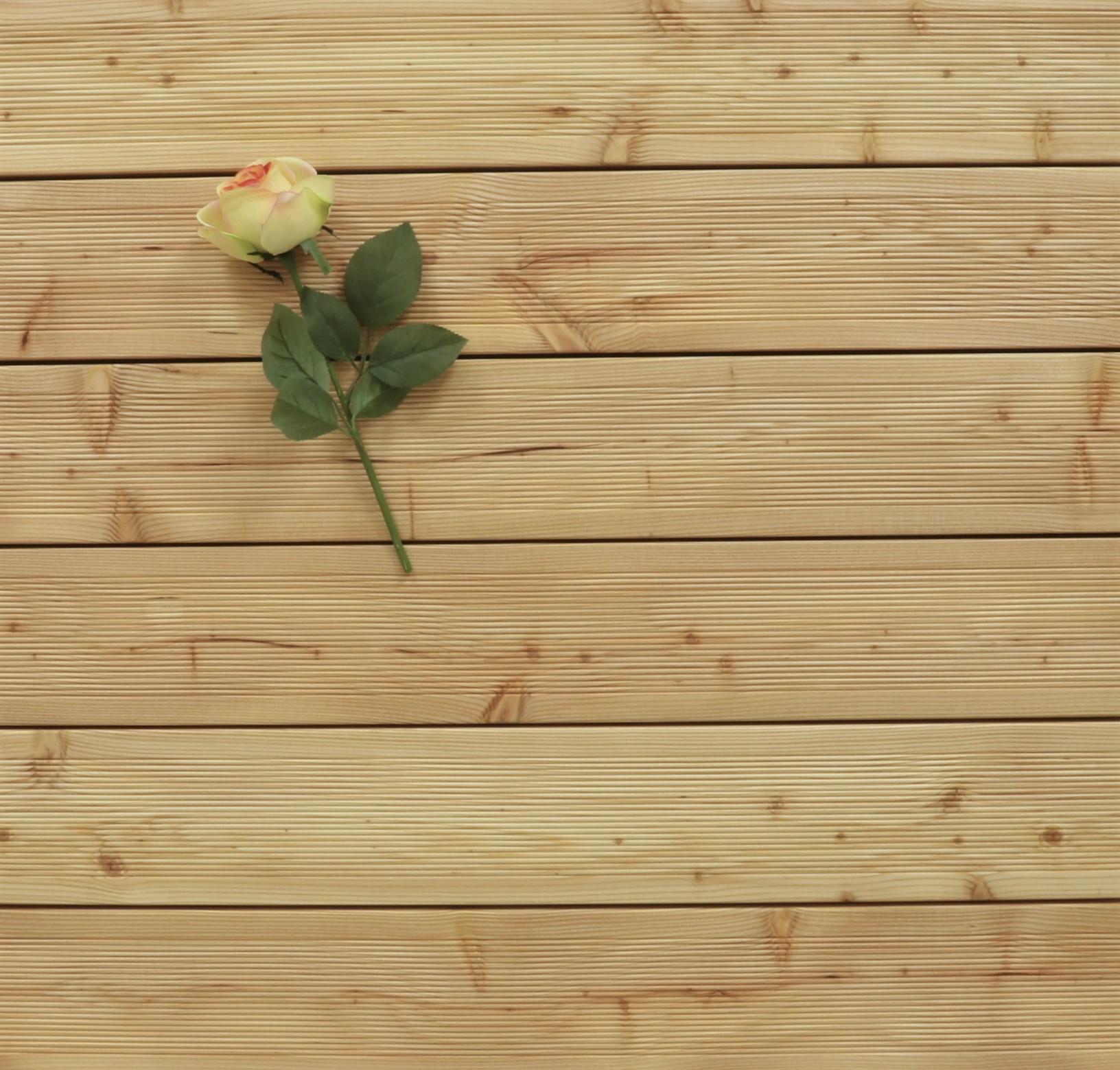 Terrassendielen Sibirische Lärche, AB Sortierung, 40 x 143 bis 5100 mm, fein gerillt für 6,90 €/lfm