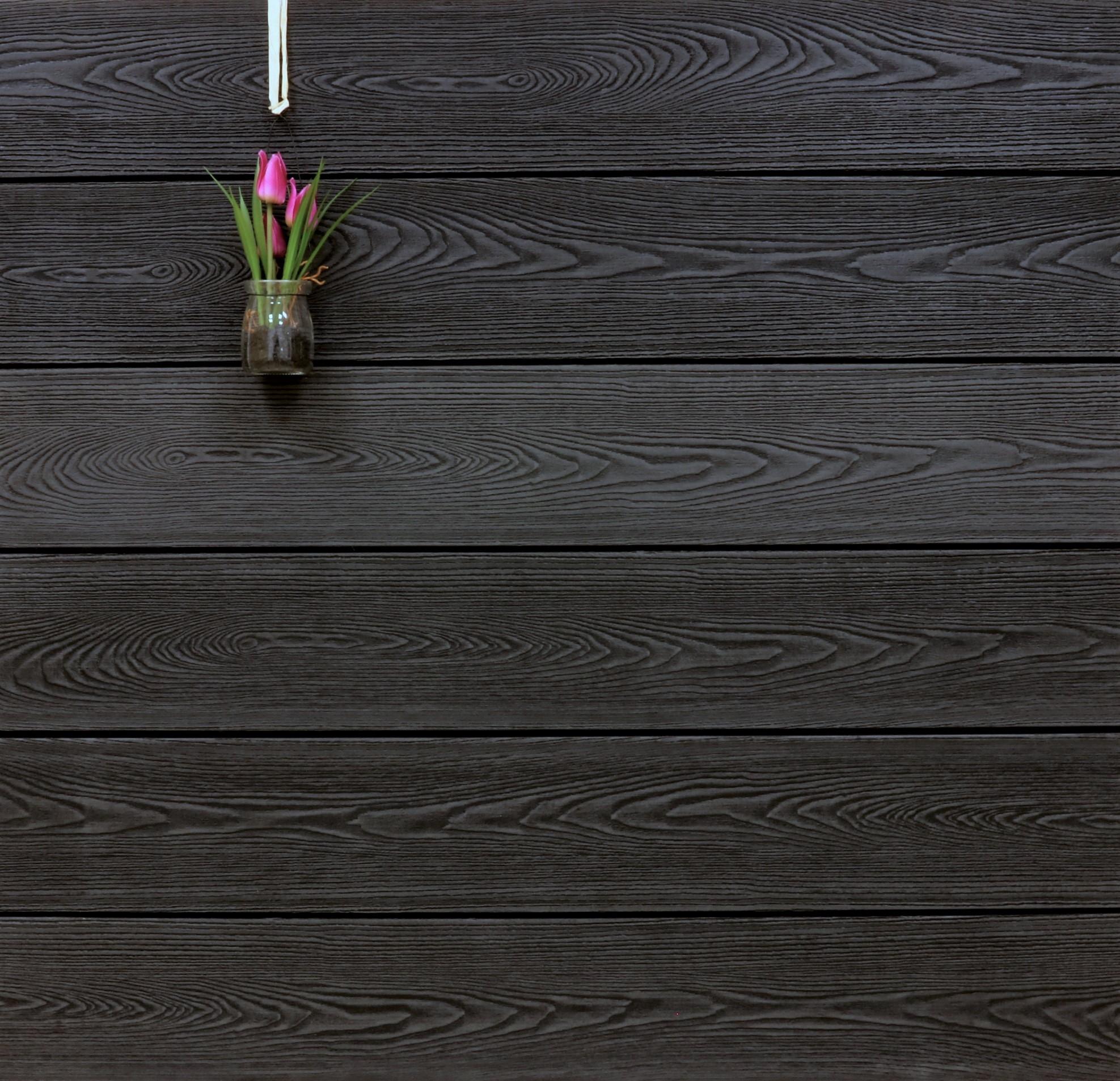 WPC Dielen massiv, Oberfläche mit Struktur in Holzoptik, Farbton anthrazit, Vollprofil, 22 x 143 bis 4800 mm für 8,90 €/lfm