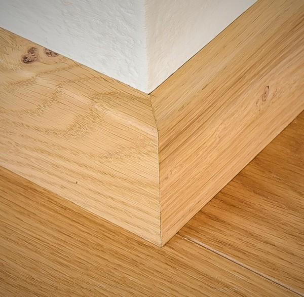 Sockelleiste aus massivem Holz, Eiche, 20 x 60 von 1500 bis 2400 mm, Öl und Farbe nach Kundenwunsch