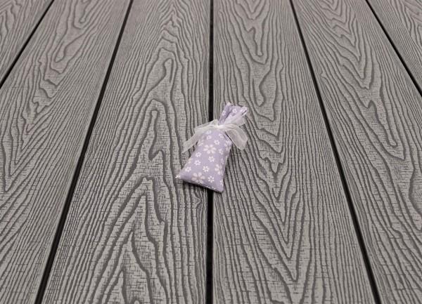 WPC Terrasse massiv, Vollprofil, 22 x 143 bis 4800 mm, Oberfläche mit Struktur in Holzoptik sägerau, Farbton hellgrau, 8,95 €/lfm