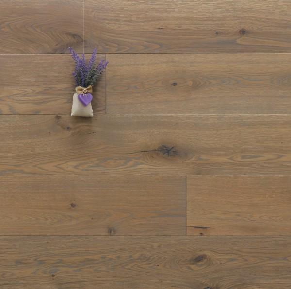 Parkettboden Eiche Vaucluse aus der Serie Provence, 14 x 190 (220) x 1900 (2200) mm, gebürstet, mit Rubio Monocoat R310 Gris Belge geölt, Välinge 5G Klick Verbindung, Sonderanfertigung nach Kundenwunsch