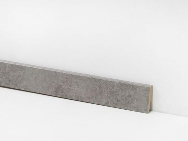 Vinyl Sockelleiste von Check, 2112 Zweckel Beton mit 18 x 58 x 2400 mm