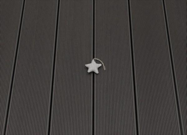WPC Terrasse massiv, Vollprofil, 22 x 143 bis 4800 mm, Oberfläche fein gerillt, Farbton dunkelgrau, 8,95 €/lfm